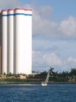 Devant les silos de Cabédélo