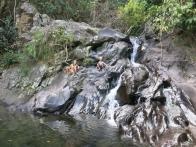 Pour finir la balade, baignade dans la cascade !