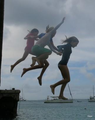 Français et Américaines se donnent la main pour un JUMP !