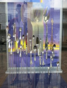 A St Martin, on expose les fourchettes, les couteaux et les cuillères...